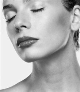 Lifting facial: rejuvenece redefiniendo tu rostro.